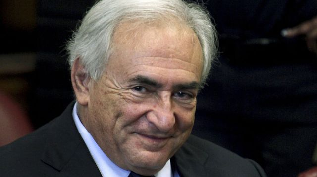 Former-imf-chief-dominique-strauss-kahn-smiles-during-his-arraignment-hearing-at-new-york-supreme-court-in-new-york_739180